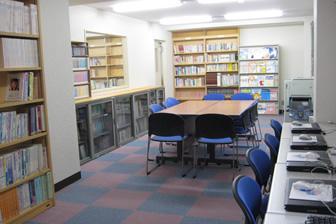 図書室(1F)