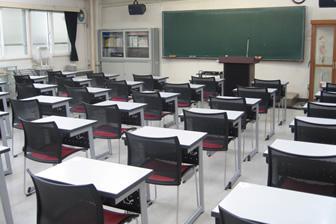 第1教室(2F)
